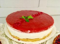 vegán tejszínes vaníliás eper torta